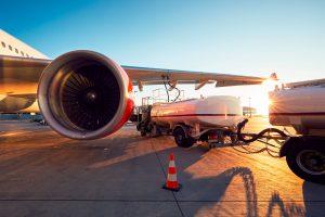 Existe diferença entre os combustíveis para veículos e aviões?