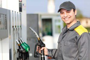 Do poço ao posto: quais as etapas do petróleo até virar gasolina?